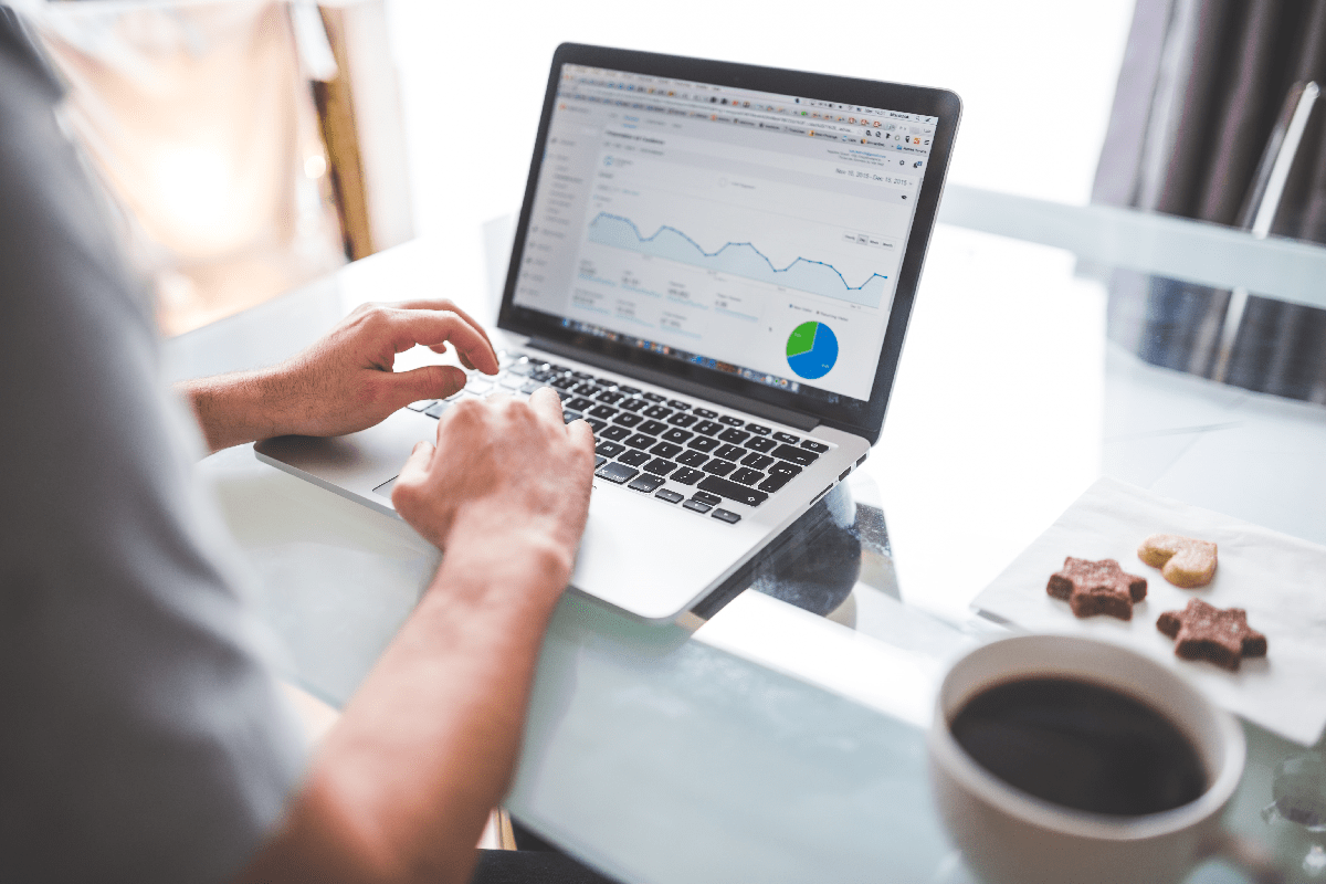 Affiliate Marketing - computer with Google analytics